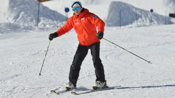 Wie lernen Kinder am leichtesten skifahren? - YouTube