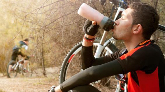 Kohlenhydrate, Elektrolyte & Co.: Sportgetränke zum Selbermachen ...