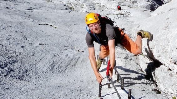 Klettersteigset Unterschiedlich Lang : Sicherheit am klettersteig: stein und eisen sportaktiv.com
