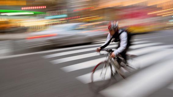 Fahrrad vs. Auto: 7 gute Gründe, warum man sich ein Bike