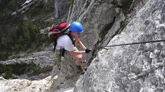 Klettersteigset Y System Anlegen : Die 15 wichtigsten benimm regeln für den klettersteig sportaktiv.com