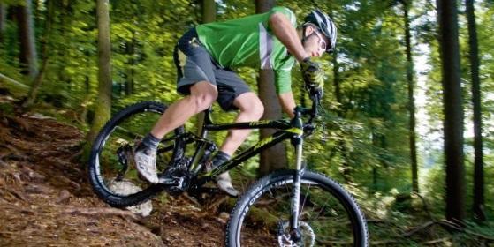 Auf dem fahrrad unten ohne Richtig treten