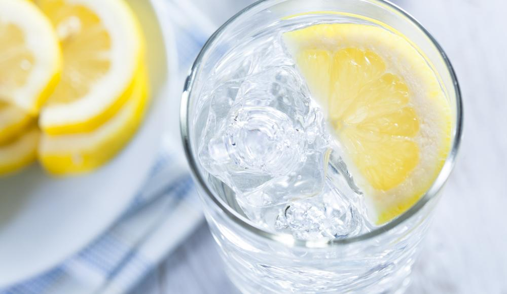 Zitronenwasser mit Knoblauch zur Gewichtsreduktion
